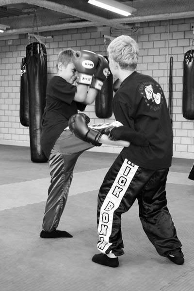 kickboxtraining_kinder23_sw