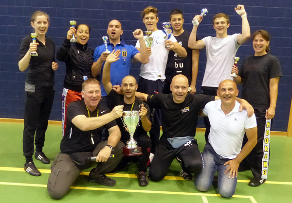 Gruppenfoto Kickboxing-Fightclub